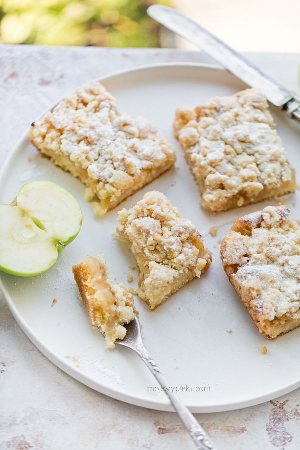 Ciasto ucierane z jabłkami i kruszonką