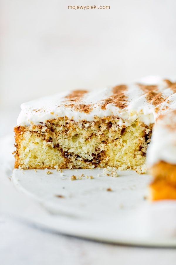 Cinnamon cake with cream cheese frosting