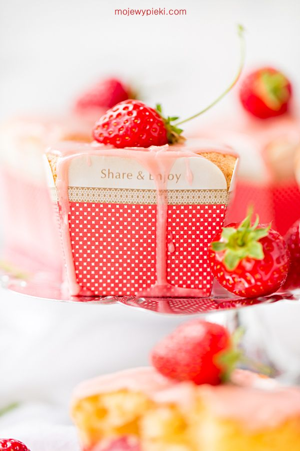 Strawberry and polenta cupcakes