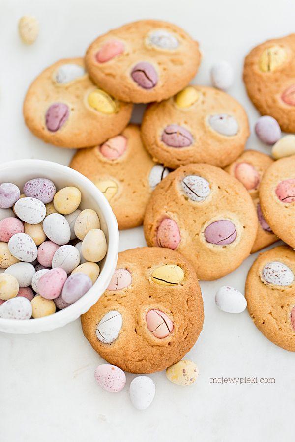 Wielkanocne ciasteczka z jajeczkami czekoladowymi