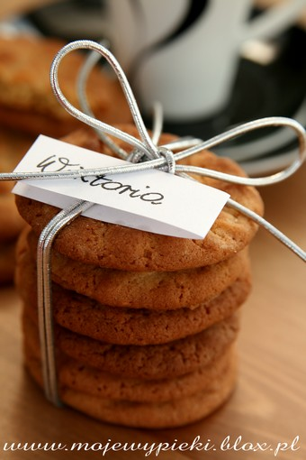 Crunchy Peanut Butter Cookies (przepis I)