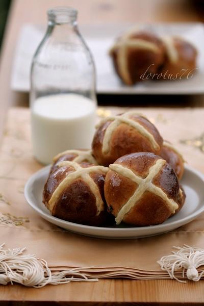 hot_cross_buns_1