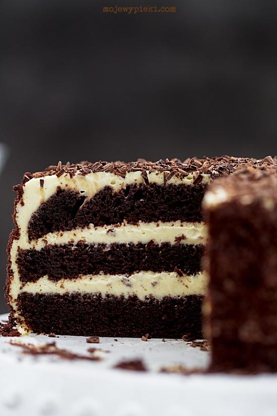 Tort czekoladowo - ajerkoniakowy z kawą